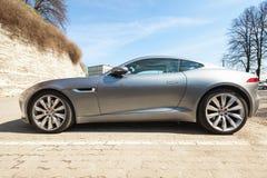 Jaguar-F-Type coupé S, zijaanzicht Royalty-vrije Stock Fotografie