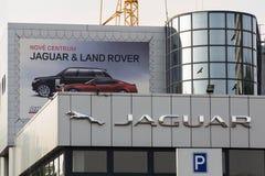 Jaguar-het bedrijfembleem van de autofabrikant voor het handel drijven Stock Foto