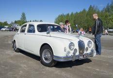 Jaguar Mk I 1956, le défilé des voitures de vintage dans le secteur de Savo du sud finland images libres de droits