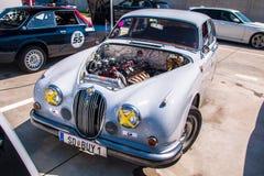 Jaguar MkII tävlings- bil Arkivfoto