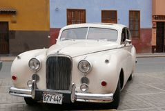 1955 Jaguar-Teken VII sedan in Lima wordt tentoongesteld dat Stock Foto's