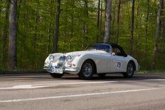 Jaguar 1958 XK 150 S på ADACEN Wurttemberg historiska Rallye 2013 Royaltyfri Foto
