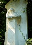Jahannes Brahms grav i Wien royaltyfria foton