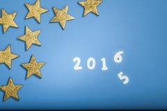 Jahr 2015, das bis 2016 mit goldenen Sternen ändert Lizenzfreies Stockbild
