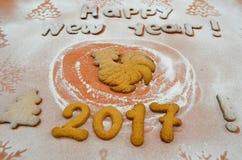 Jahr des Hahns Plätzchen 2017 des neuen Jahres Lizenzfreie Stockfotos