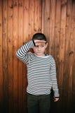 6 Jahre alte Junge lizenzfreie stockfotografie