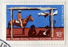 50 Jahre des königlichen Fliegen-Doktors Service Australian Stamp Stockbild