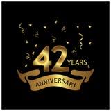 42 Jahre Jahrestag golden Jahrestagsschablonenentwurf für Netz, Spiel, kreatives Plakat, Broschüre, Flieger, Zeitschrift, invitat lizenzfreie abbildung