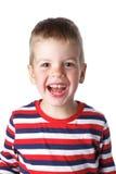 3-4 Jahre nette hübsche Junge in einem gestreiften Hemd Isolator lachend Lizenzfreie Stockfotografie