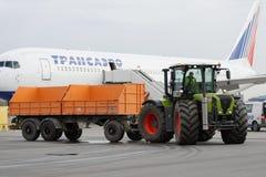 Jahresübersicht der Flughafenausrüstung in Pulkovo, St Petersburg, Russland Lizenzfreies Stockbild