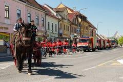 140. Jahrestag der freiwilligen Feuerwehr von Pezinok Stockbild