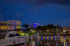 50. Jahrestag der Unabhängigkeitsbeleuchtung um den Kai in Bridgetown, Barbados Stockbilder
