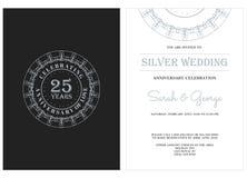 Jahrestag 25 mit silbernem Ausweis Stockbild