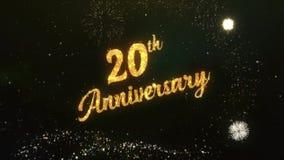 20. Jahrestags-Gruß-Text gemacht vom Wunderkerze-Licht-dunklen nächtlichen Himmel mit Colorfull-Feuerwerk stock footage