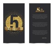 5. Jahrestagskarte mit Goldelementen Lizenzfreie Stockfotografie