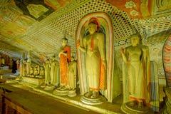 12 Jahrhundert Dambulla-Höhlen-goldener Tempel und Statuen Lizenzfreie Stockfotografie
