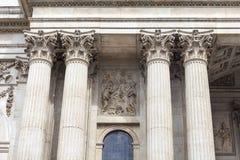 18. Jahrhundert St. Paul Cathedral, dekorative Spalten, London, Vereinigtes Königreich Lizenzfreie Stockfotografie