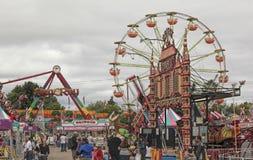 Jahrmarkt-Karnevals-Fahrten Stockfoto