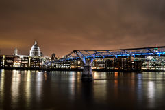Jahrtausendbrücke Lizenzfreies Stockfoto