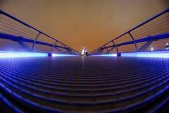 Jahrtausendbrücke führt St Paul Kathedrale lizenzfreies stockfoto