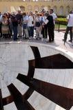 Jai普拉卡什扬特拉河,测量高度、方位角、时角和倾向在Jantar Mantar的日规细节 免版税库存照片