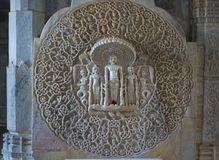 Jain висок в Ranakpur, Индии, Раджастхане Chaumukha Mandir она стоковые фото