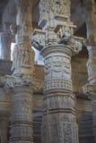 Jain висок в Ranakpur, Индии, Раджастхане Chaumukha Mandir стоковое изображение