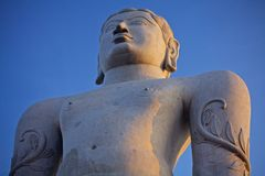 Jain statua w sravanbalagola obraz royalty free