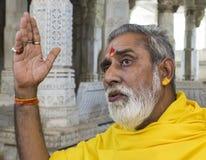 Jain tempelpräst Ranakpur India arkivbilder