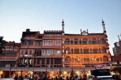 Jaipur, Índia - 29 de dezembro de 2014: Ruas da visita dos povos do bazar do Indra em Jaipur Imagem de Stock Royalty Free