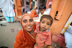 JAIPUR, INDIA - APRIL, 2013: Indian mother and kid Stock Photography