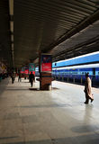 Jaipur, India - January 3, 2015: Passenger on platforms at the railway station of Jaipur Royalty Free Stock Photography