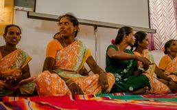 JAIPUR INDIA, LUTY, - 25, 2017: Grupa kobiety odwiedza centrum dla kobiety upełnomocnienia w Jaipur, India Zdjęcie Royalty Free