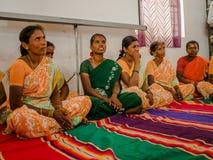JAIPUR INDIA, LUTY, - 25, 2017: Grupa kobiety odwiedza centrum dla kobiety upełnomocnienia w Jaipur, India Obrazy Stock