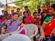 JAIPUR INDIA, LUTY, - 25, 2017: Grupa kobiety odwiedza centrum dla kobiety upełnomocnienia w Jaipur, India Zdjęcia Stock