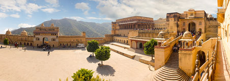 Jaipur, India, 10 november, 2011: High-resolution panorama Amer Fort royalty-vrije stock fotografie