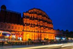 Jaipur, India Palazzo illuminato dei venti Hawa Mahal fotografia stock libera da diritti