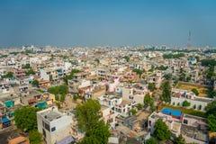Jaipur, India - September 20, 2017: Mooie luchtmening van oude kleurrijke gebouwenstad in de staat van Rajasthan, in India Stock Fotografie