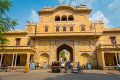 JAIPUR, INDIA - SEPTEMBER 19, 2017: Unidentified people riding motorcycles and bikes and driving cars through the City Stock Photography