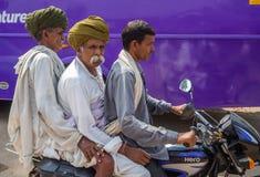 Jaipur, Indien, tägliche Szenen von lokalen Leuten lizenzfreie stockfotos