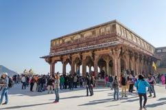 Jaipur, la India - December29, 2014: La visita turística Diwan-YO-es en el fuerte ambarino Fotos de archivo