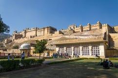 Jaipur, la India - December29, 2014: Visita turística Amber Fort cerca de Jaipur Imagenes de archivo
