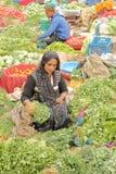 JAIPUR, RAJASTHAN INDIA, GRUDZIEŃ, - 06, 2017: Kolorowy warzywo rynek blisko miasto pałac Zdjęcie Royalty Free
