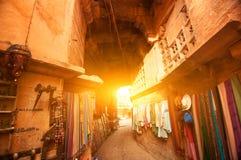 Jaisalmer堡垒购物街道 免版税库存图片