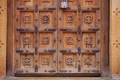Jaisalmer,印度 重的木老城堡门 免版税图库摄影