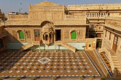 Jaisalmer Mandir宫殿全视图  库存照片