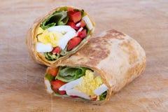 Jajeczny sera i pieprzu kanapki opakunek obraz stock