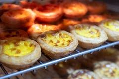 Jajeczny tarta z custard kremowym pieczeniem na grille Słodki deserowy trad Zdjęcia Royalty Free