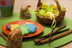 Jajka, ciastka i króliki, Obrazy Royalty Free