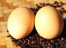 Jajka na ryżowej jagodzie Obrazy Stock